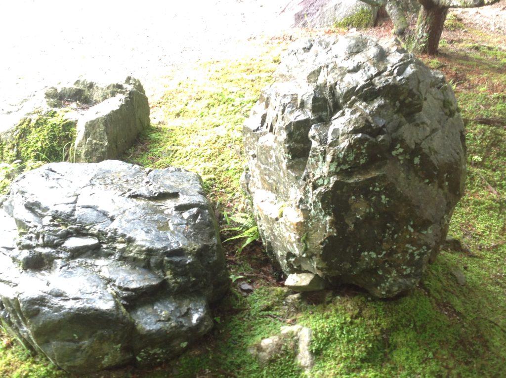 阿弥陀寺 岩